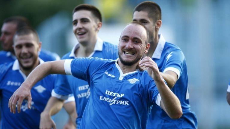 Официално: Григор Долапчиев подписа с Локомотив (София)