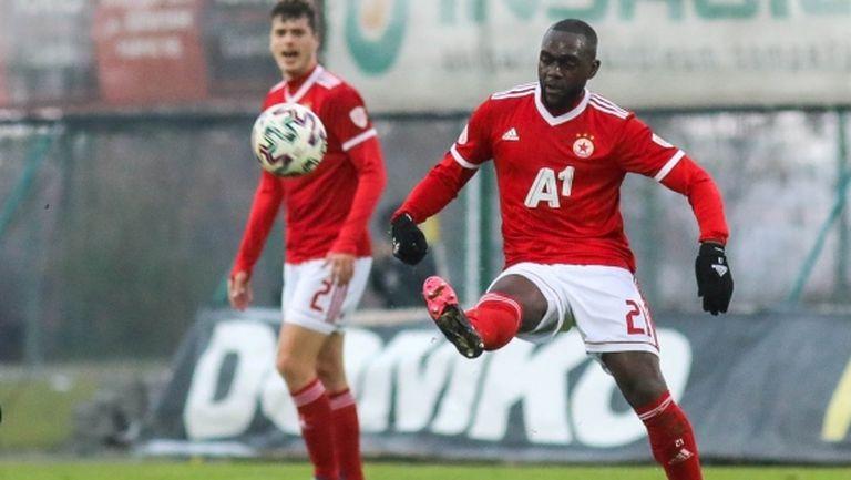 ЦСКА-София ще привлича нов дефанзивен халф