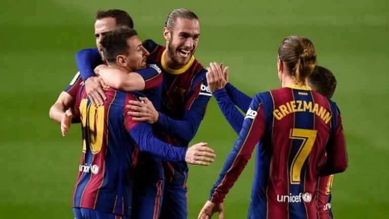 Барса настигна Реал Мадрид, Меси и Гризман донесоха петия пореден успех (видео)