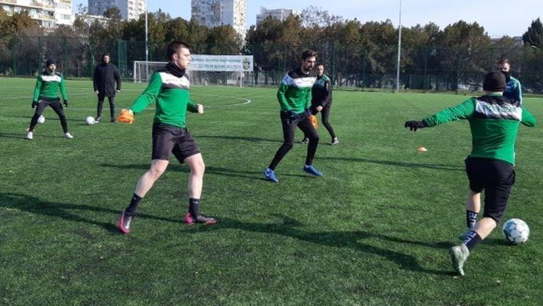 Нефтохимик картотекира 21 футболисти