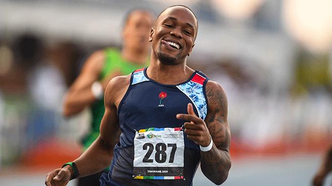 Симбине шампион на РЮА на 100 м, бяга под 10 секунди