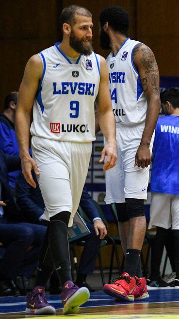 Левски Лукойл се подигра с Черно море във Варна
