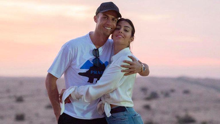 Джорджина ще разкрива тайни от живота с Роналдо в документална поредица