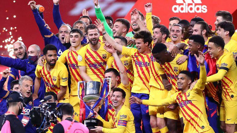 Барселона опустоши Атлетик за 13 минути и триумфира с Купата на краля (видео+галерия)