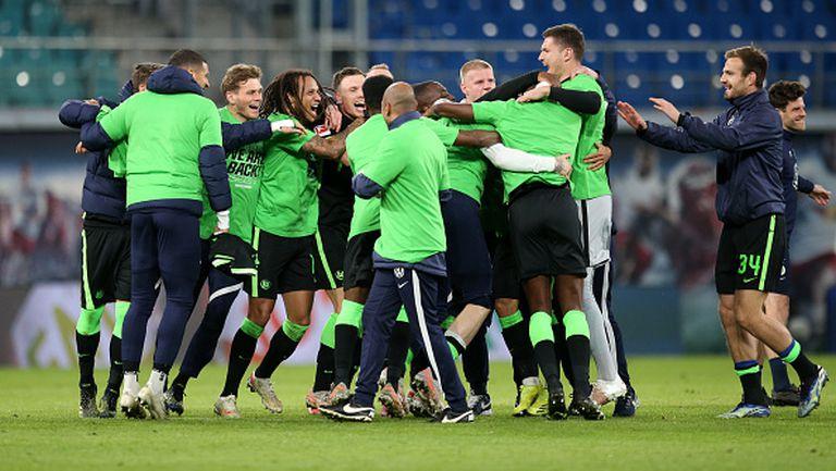 Волфсбург отново ще играе в Шампионската лига след равенство 2:2 като гост на РБ Лайпциг
