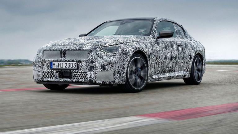 BMW Серия 2 Купе с последни тестове преди официалната си премиера