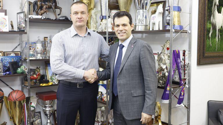 Димитрис Итудис остава начело на ЦСКА Москва