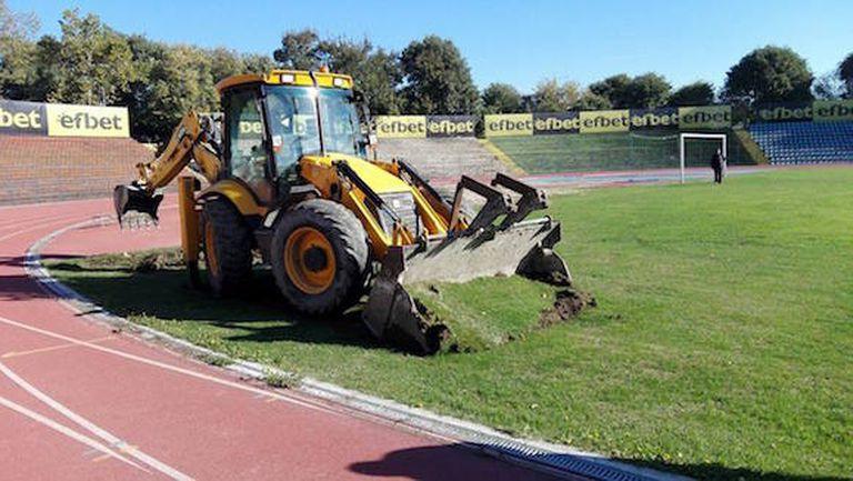 Министерството на спорта ще следи ден по ден ремонта на Градския стадион в Русе