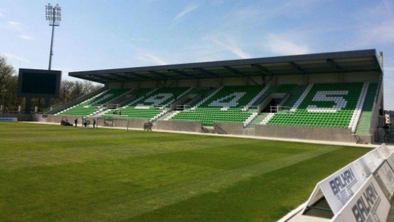 """Гаф със стадиона поставил под въпрос лиценза на Лудогорец, има проблем и с трибуна """"Моци"""""""
