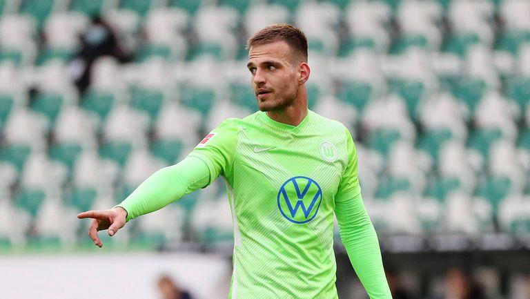 Волфсбург ще играе без своя централен защитник срещу Вердер