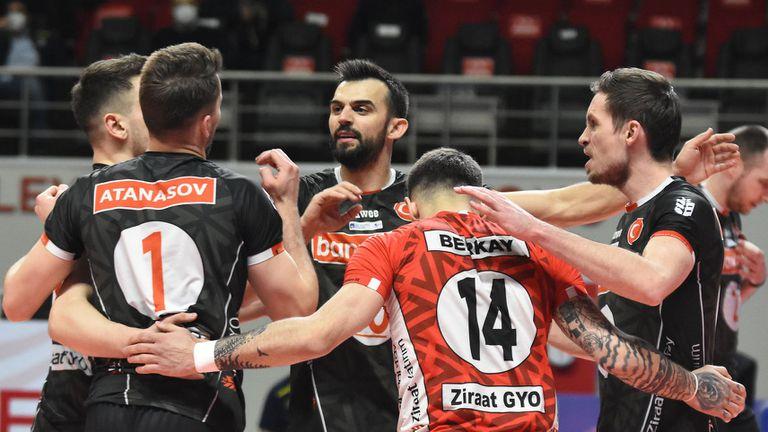 Мартин Атанасов и Зиратбанк загубиха Финал №2 в Турция
