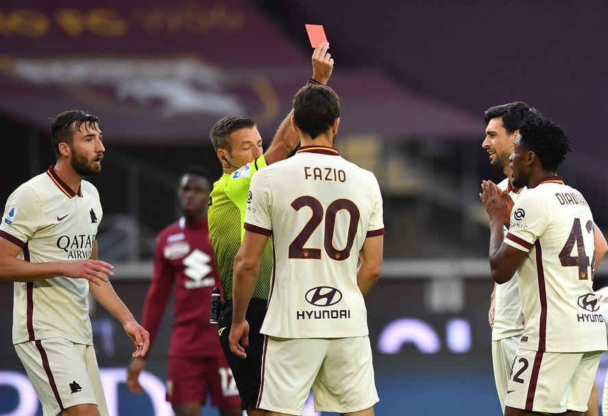 Амаду Диавара от Рома получава червен картон срещу Торино