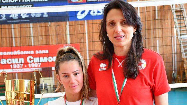 Юлия Иванова: Надявам се от този състав да излязат бъдещи националки 🏐