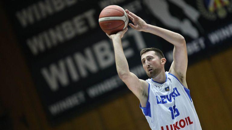 Тасич смаза конкуренцията и грабна MVP на редовния сезон