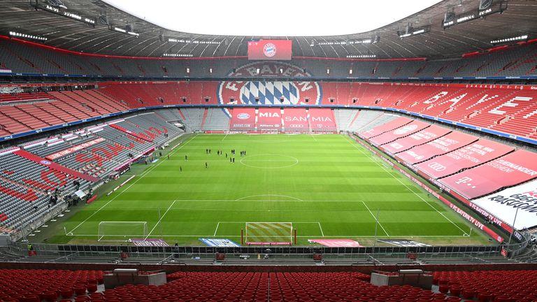 УЕФА отложи решението си за три от стадионите за Евро 2020