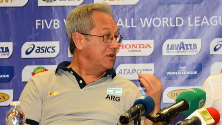 Хулио Веласко: Ще гоним поне една победа срещу България
