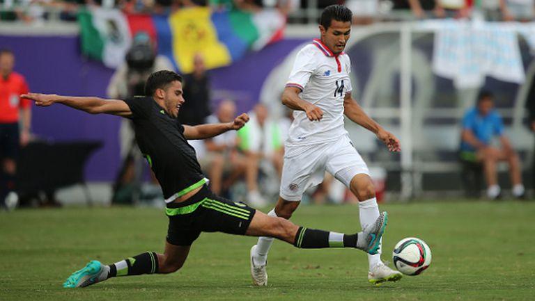 Спорна дузпа след 120-ата минута класира Мексико на 1/2-финал (видео)
