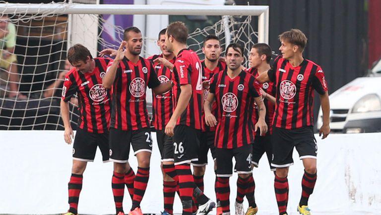 """Локо (Сф) изтърва дузпа и още 5-6 гола, но започна с победа! Смях с билетите в """"Надежда"""""""