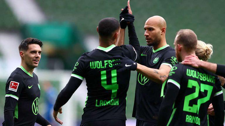 Волфсбург се справи с Вердер и продължава да поддържа темпо за Шампионска лига