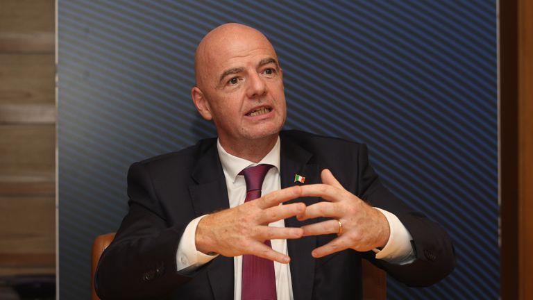 Инфантино: ФИФА напълно подкрепя УЕФА, отцепниците трябва да живеят с последиците