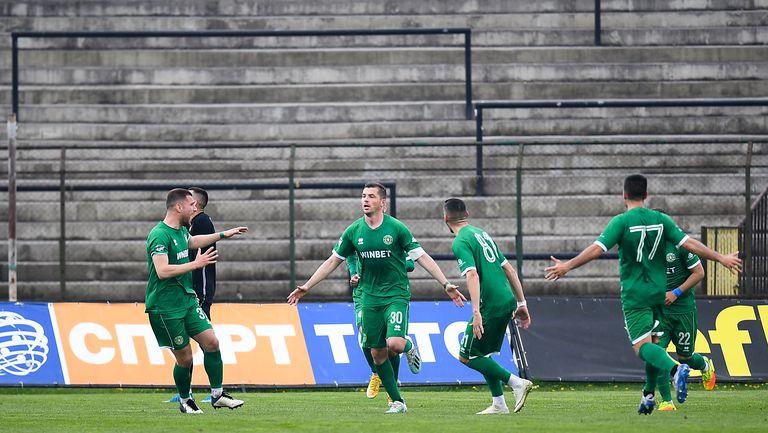 Валери Домовчийски вкара втори гол за Ботев във вратата на Вуцов