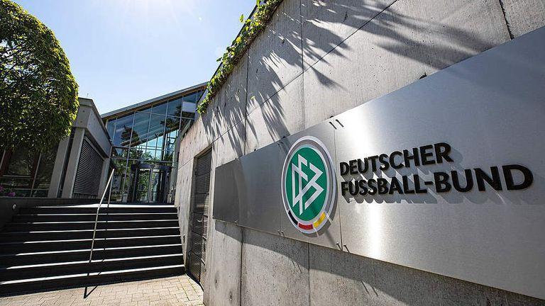 В Германия официално поискаха изхвърляне на 12-е бунтовни клуба