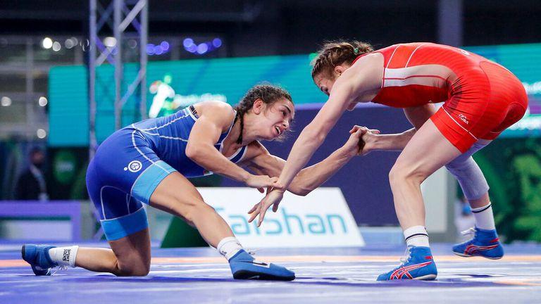 Селишка започва с шампионката на Полша