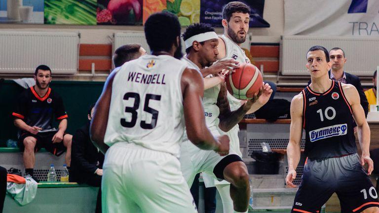 Мнението на специалиста: Черноморец е по-мотивиран за победата от Академик Пловдив😱