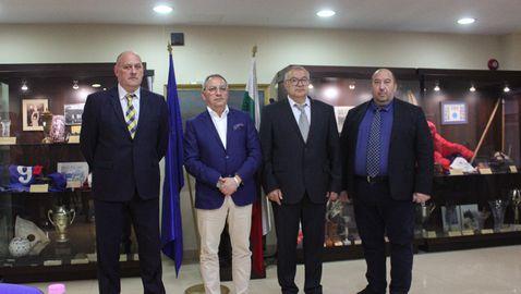 Служебният спортен министър представи своите екип и програма
