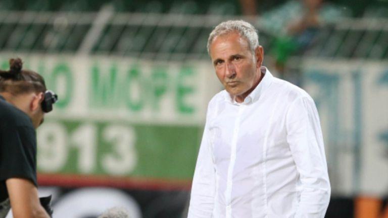 Никола Спасов избра 17 играчи за купата на България