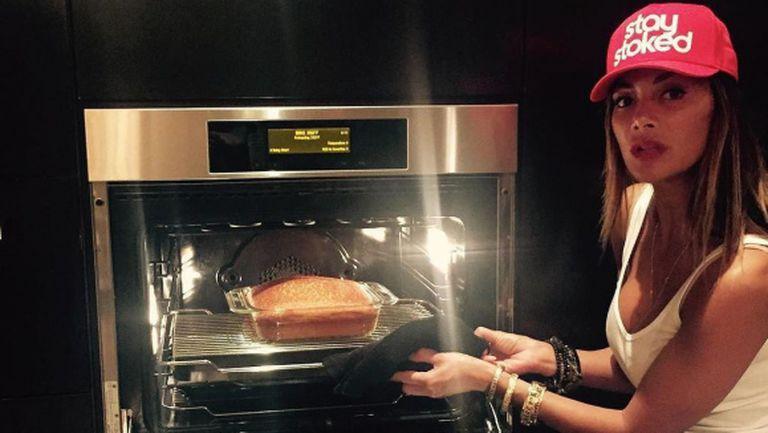 Фенове питат Никол: За Григор ли готвиш?