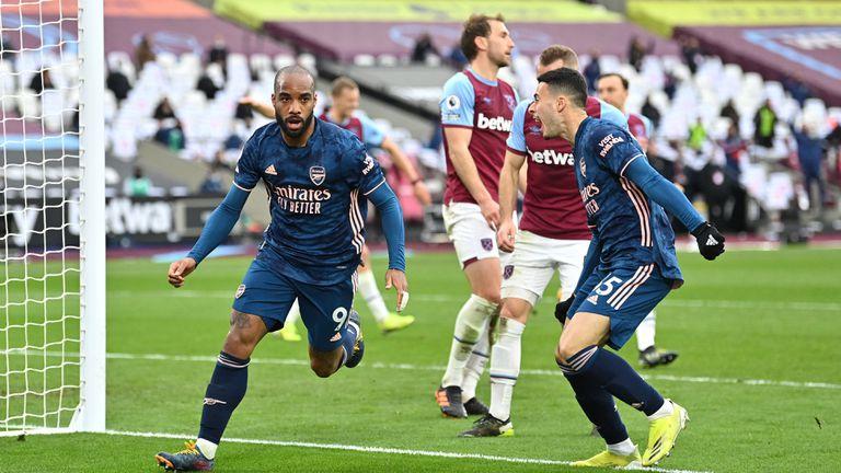 Арсенал се завърна от 0:3 и стигна до точка в дербито с Уест Хам (видео)