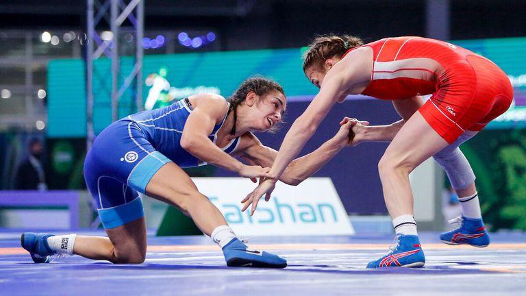 Две българки са на полуфинал на Европейското по борба
