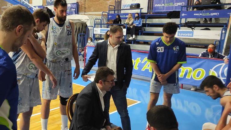 Ужасяваща трета част лиши Вангелов и Сант` Антимо от успех в Серия Б