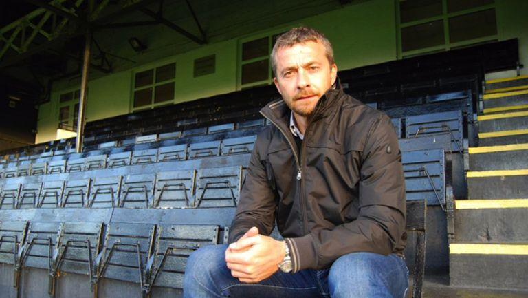 Бивш треньор на Левски с мечтан дебют в Англия (видео)