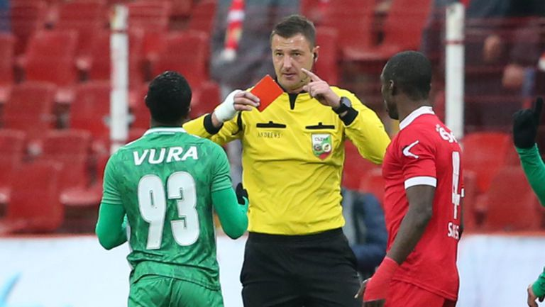 Лудогорец ли е проблемът на българския футбол и ЦСКА? Дали ще е по-добре ако този клуб спре да съществува?
