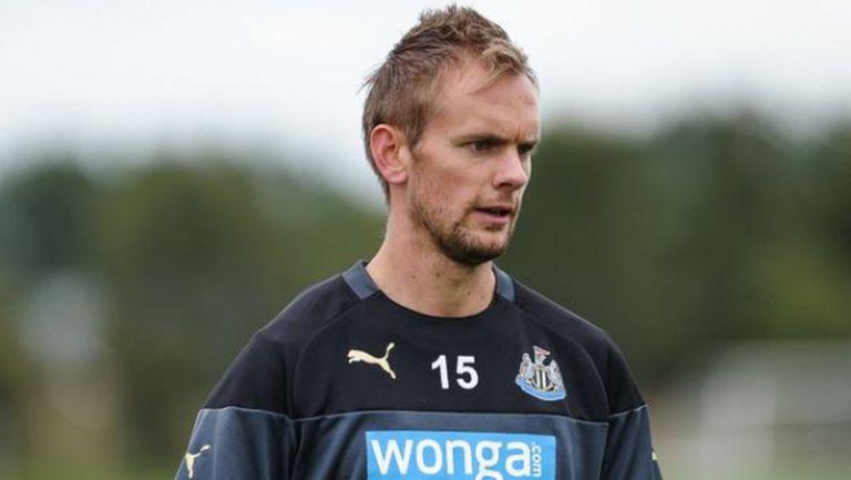 Нюкасъл предложи работа в клуба на контузен свой футболист