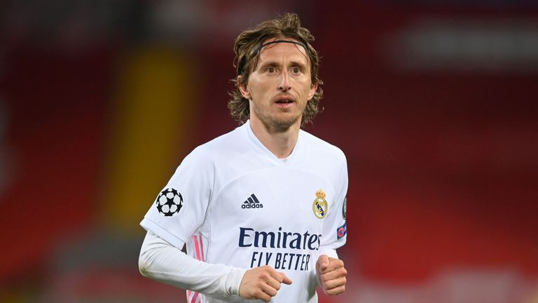 Потвърдено: Модрич е преподписал с Реал