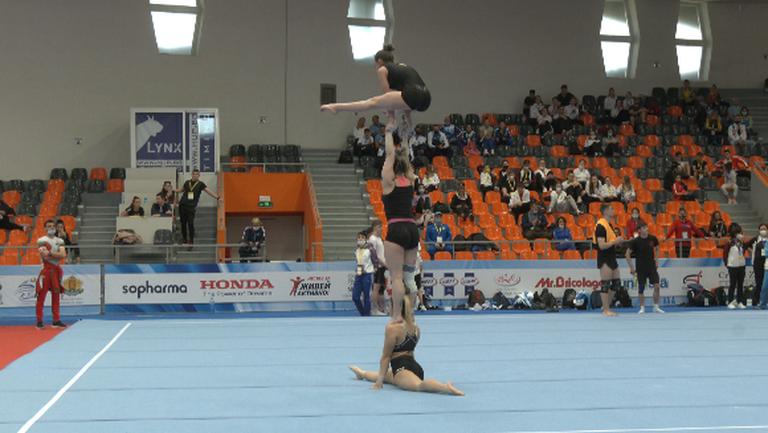 Българските състезатели по спортна акробатика с официална подиум тренировка