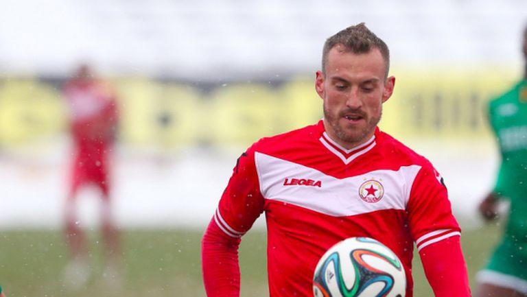 Три мача разделиха последния голмайстор на ЦСКА от нов договор
