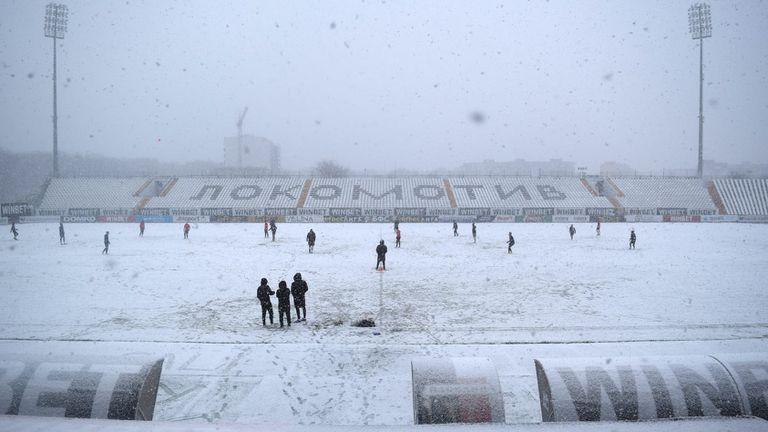 Локомотив (Пд) поднови тренировки в снега