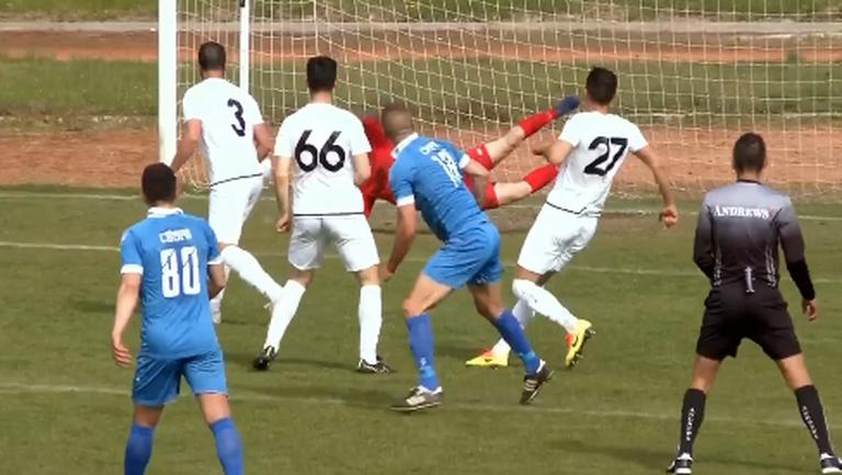 Деян Христов вкара трети гол във вратата на симитлийци