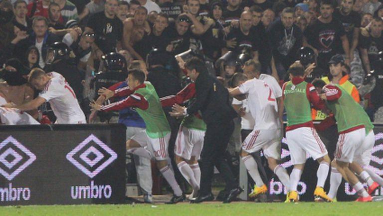 Албания посрещна футболните национали като герои