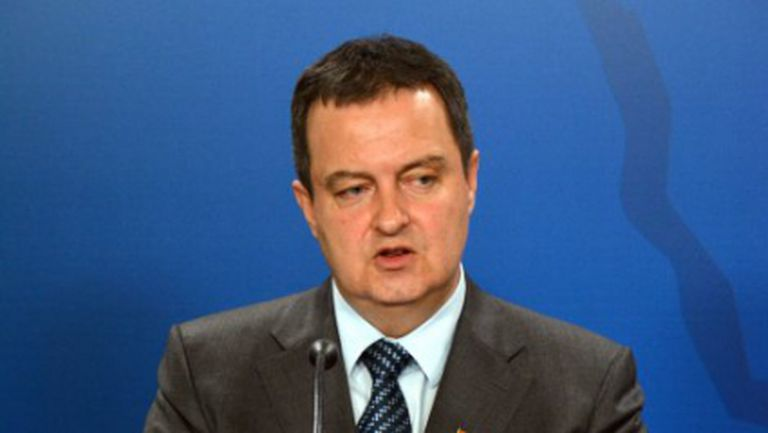 """Сръбският външен министър: Инцидентът на стадион """"Партизан"""" е предварително подготвена провокация"""