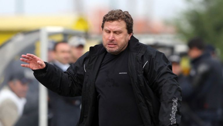 Вили Вуцов: Отборът не е умрял, та да го вдигам