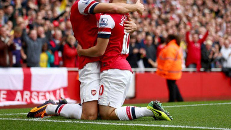 Арсенал сам на върха, Йозил с дебютен гол в Премиър лийг (видео)