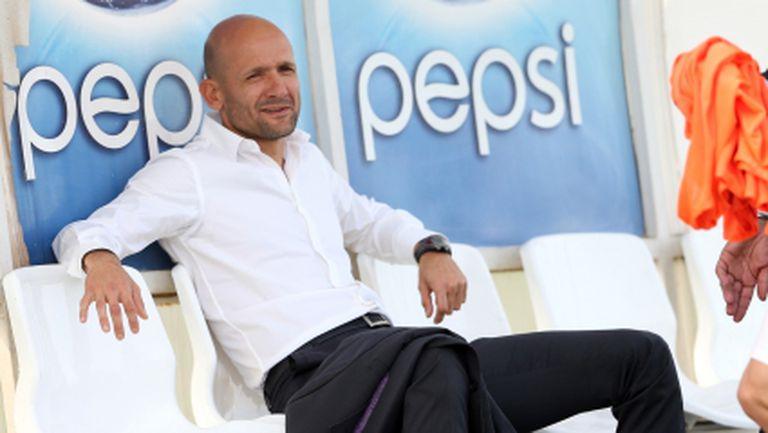 Бивш играч на ПСЖ тренира със Славия