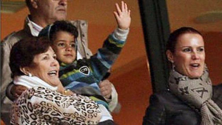 Синът на Роналдо гледа победата над Швеция
