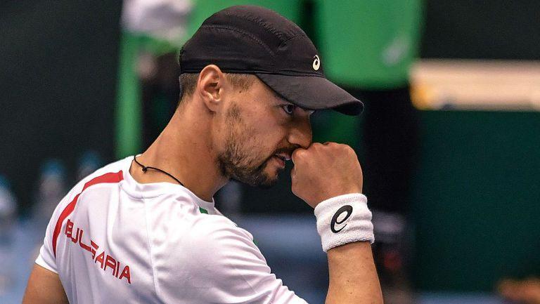 """Кузманов отстрани поставения под номер 3 и се класира за четвъртфиналите на """"Чалънджър"""" в Португалия"""