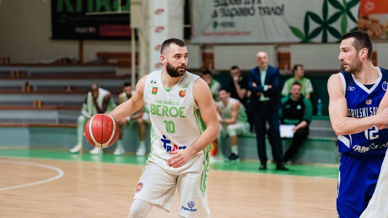 Павел Маринов се завръща за решителния трети мач с Балкан?